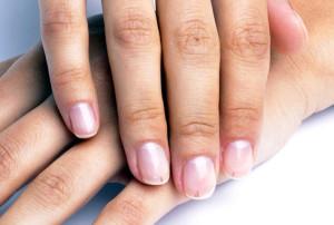Черные полоски под ногтями