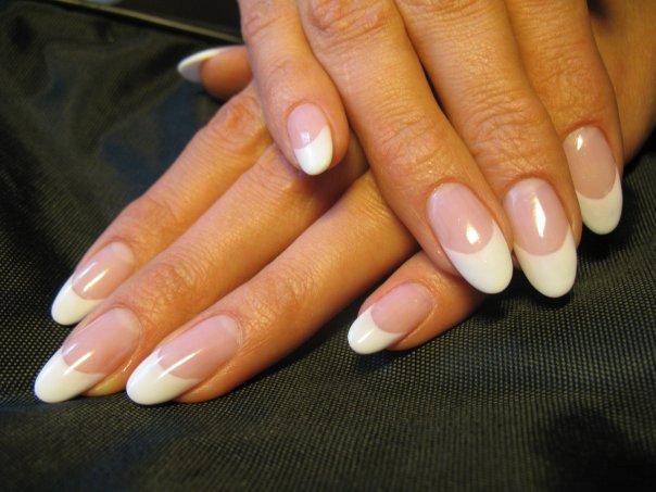 Нарощенные ногти френч овальные ногти