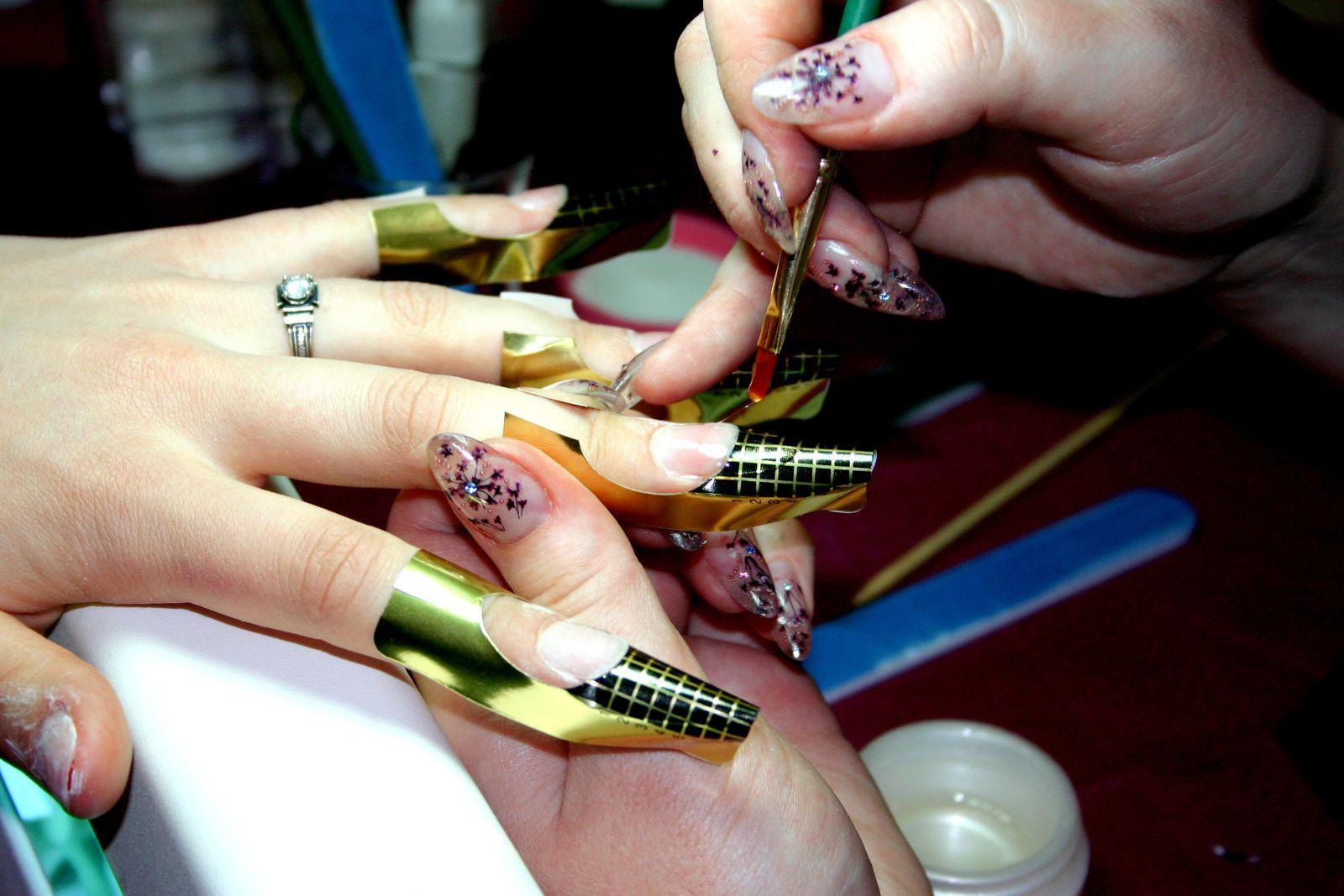 Пошаговые инструкции по наращиванию ногтей гель