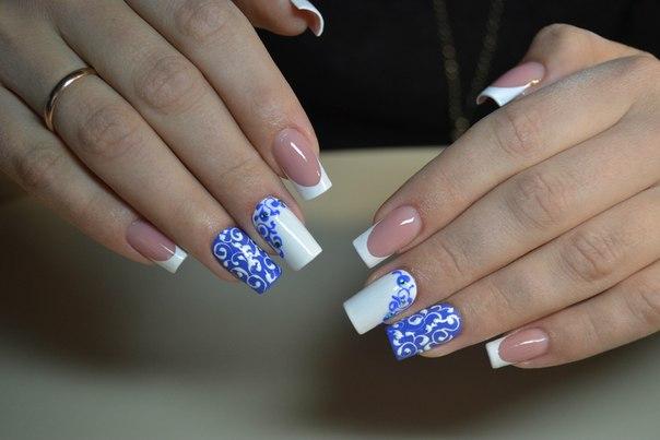 Белый перламутровый лак на ногтях