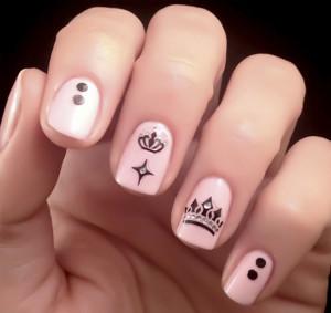 Дизайн ногтей «Корона»