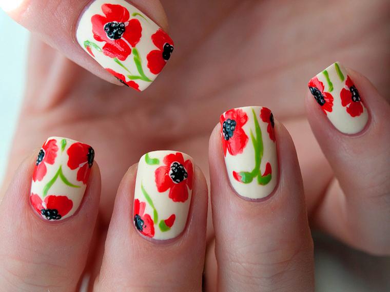 Дизайн точками на ногтях френч 13