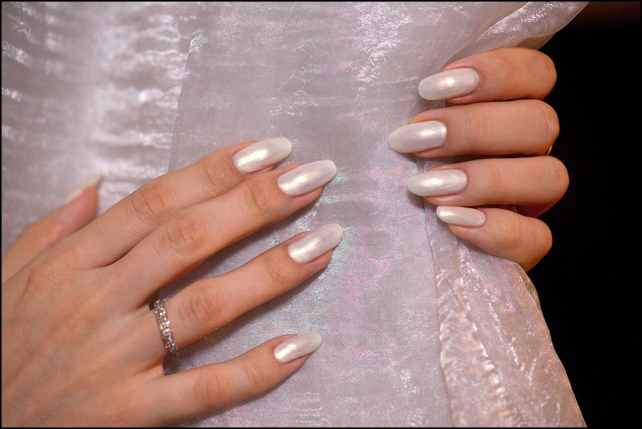 Перламутровый ногти